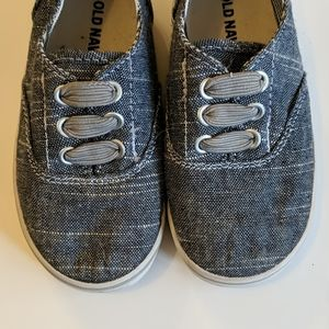 Chambray toddler sneakers